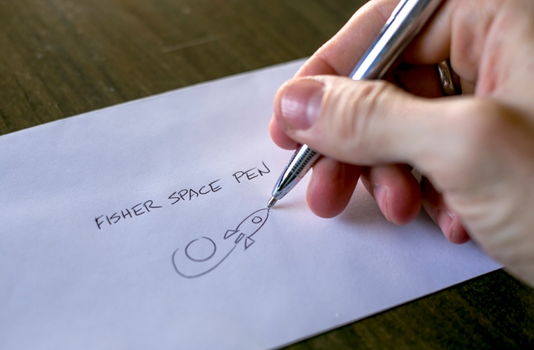 fisher_bullet_space_pen_6857