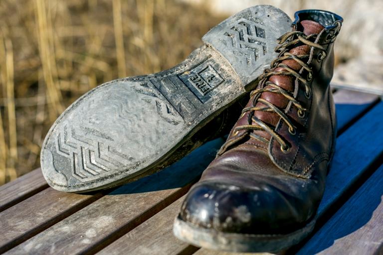 frye_derby_boots_arkansas_mid_lace_dark_brown_6306