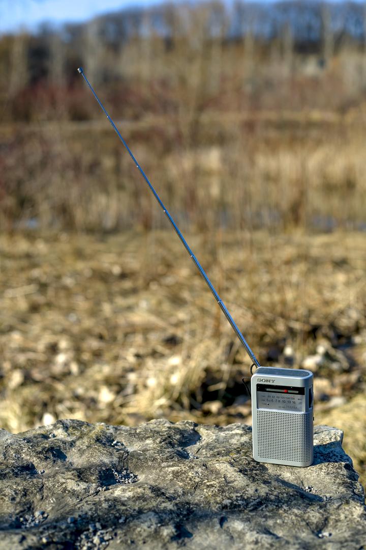 sony_portable_am_fm_transistor_radio_6489